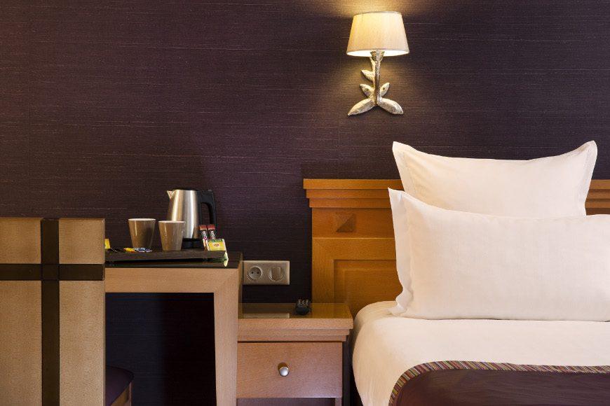 2 chambres adjacentes h tel mondial paris meilleur tarif garanti. Black Bedroom Furniture Sets. Home Design Ideas