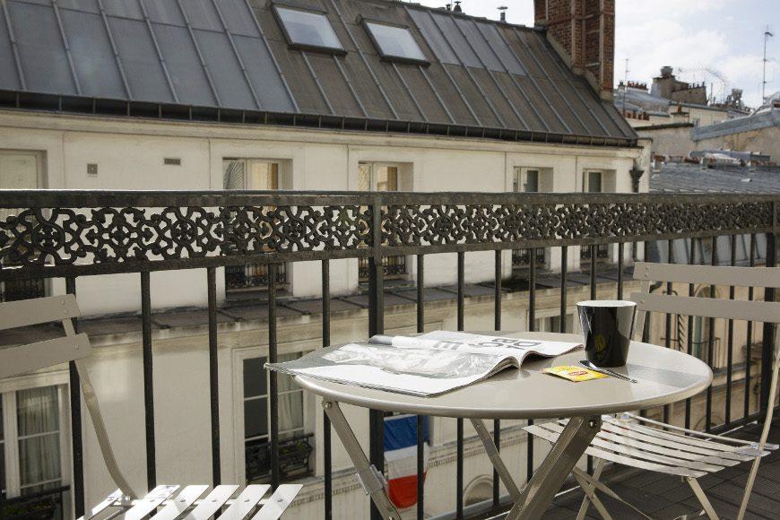chambre double balcon h tel mondial paris meilleur tarif garanti. Black Bedroom Furniture Sets. Home Design Ideas