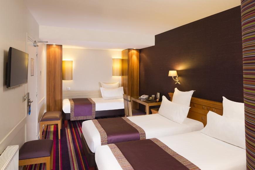 Hotel mondial paris chambre triple twin 307 g galerie for Chambre 19 paris
