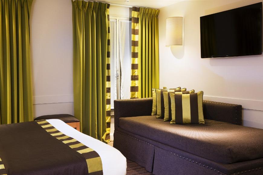 hotel mondial paris chambre famille 2 101 g galerie h tel mondial paris. Black Bedroom Furniture Sets. Home Design Ideas